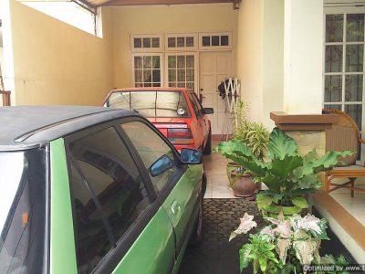 garasi rumah di cinere